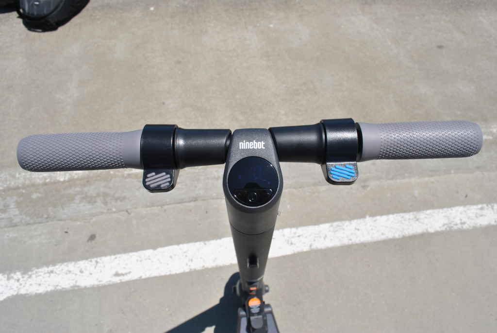 Segway ES2 handlebars and speed display