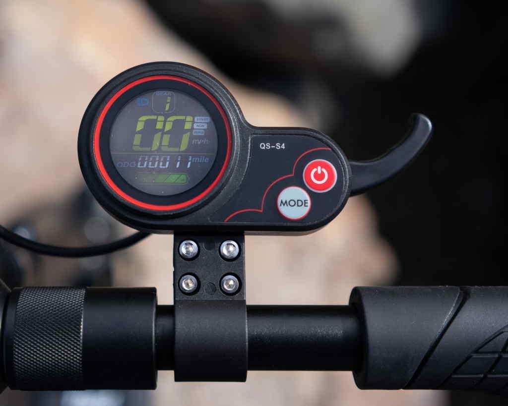 Fluid Freeride Horizon throttle display