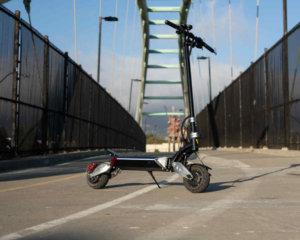 Zero 8x electric scooter on bridge